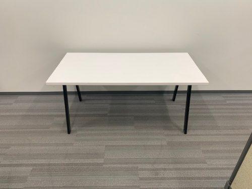 white desk with oblique legs 2