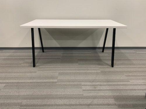 white desk with oblique legs 3